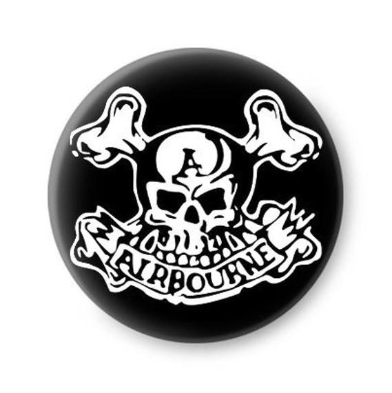 kapsel AIRBOURNE - SKULL